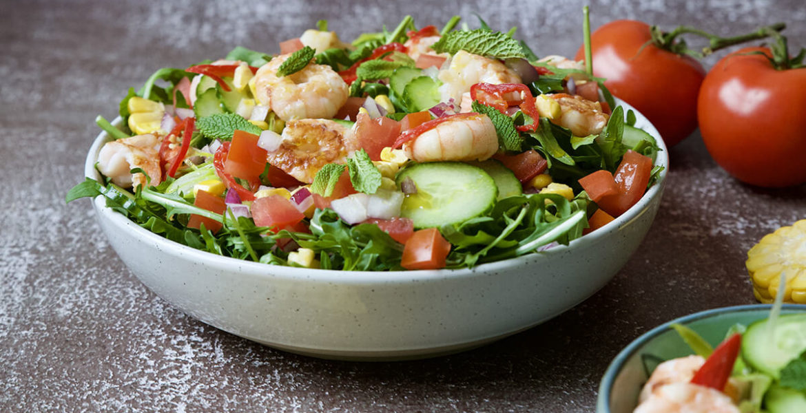 Mexican salad with prawns